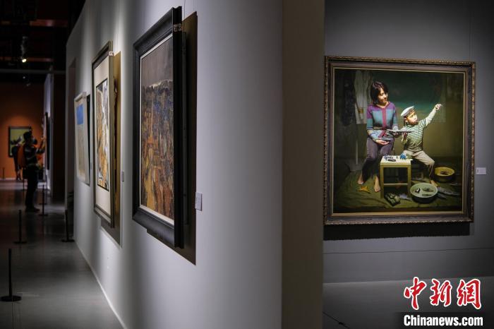第五届中国油画展重庆开展 以艺术展时代变迁